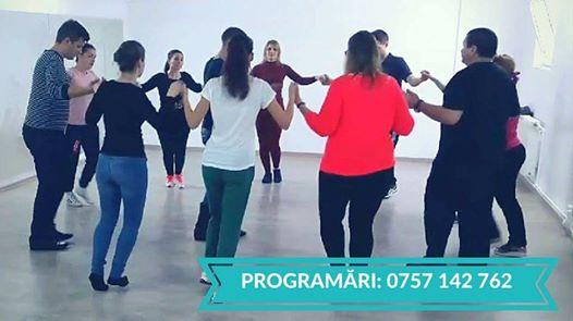Vino la cursurile de Dansuri Populare organizate de Well Time Fitness
